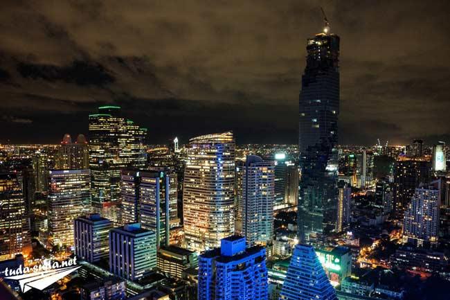 Бангкок ночью фото
