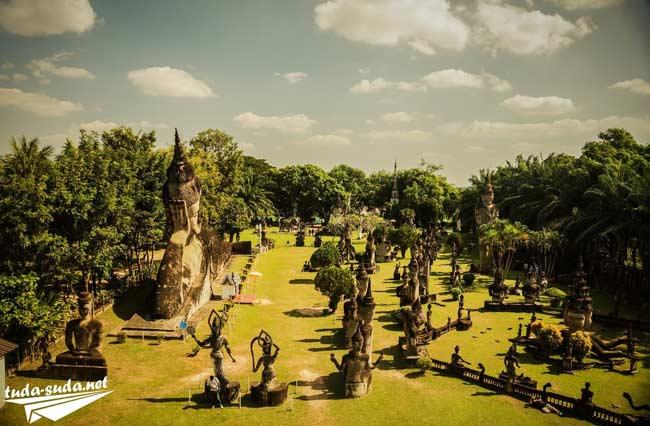 Будда парк в Лаосе фото