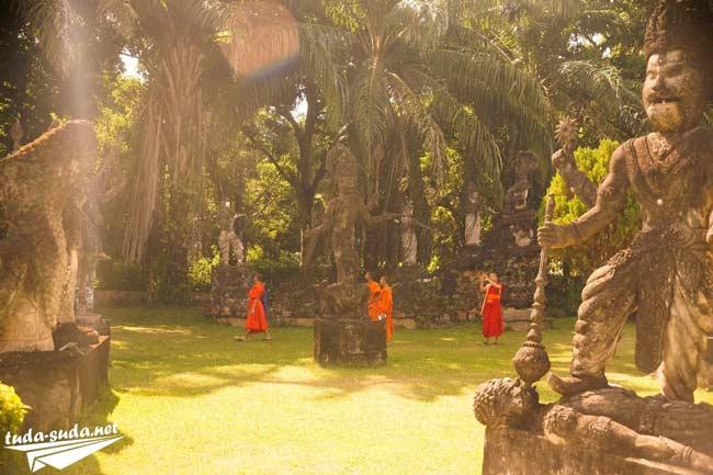 Монахи Лаос фото