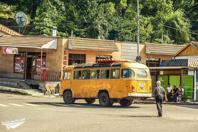 Автобус Армения фото