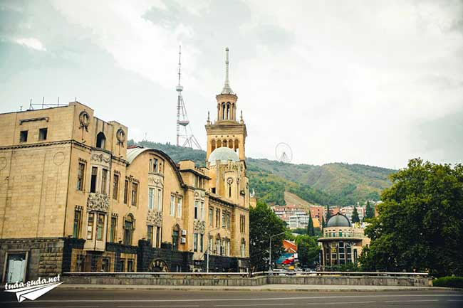 Гора Мтацминда Тбилиси