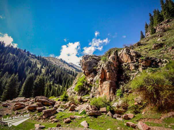 Горы Киргизия фото