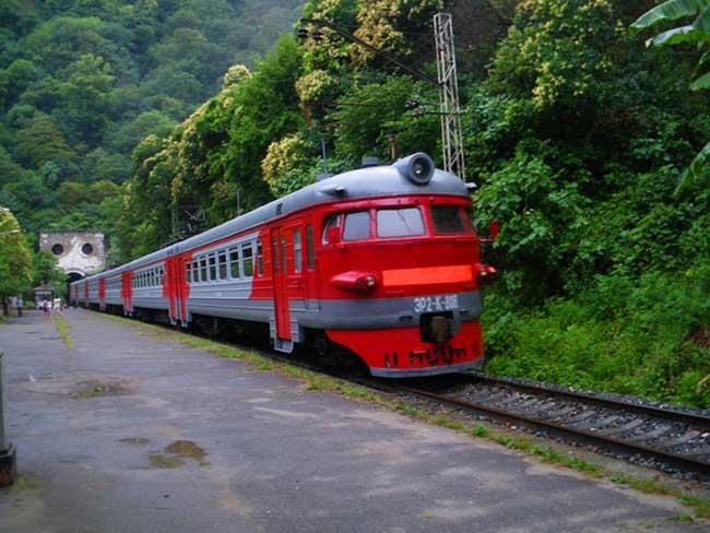 Картинки по запросу поезд в абхазию
