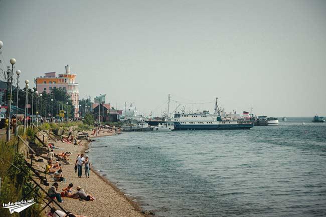 Пляж в Листвянке