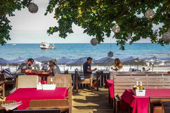 Кафе на пляже Пай