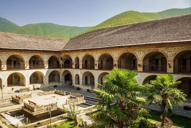 отели Азербайджан