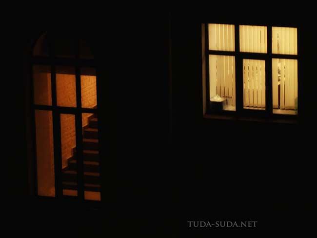Окна ночью в Питере