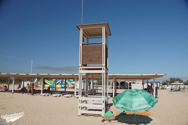 Лазурный берег пляж