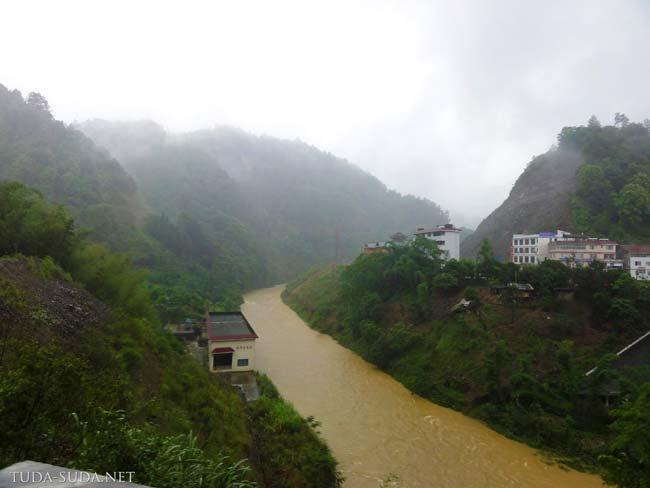 Дорога на рисовые террасы Китай