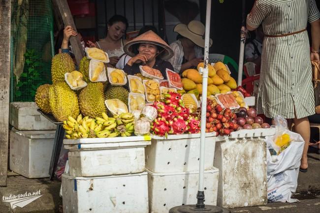Фрукты на рынке вьетнам