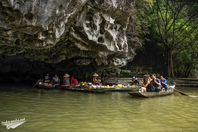 river market vietnam