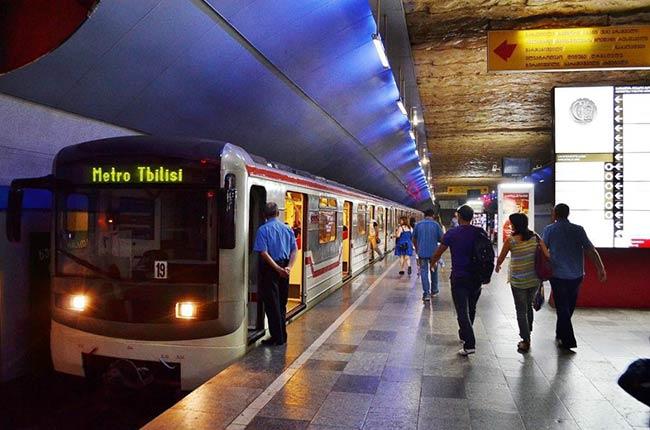 В Тбилиси метрополитен не работает из-за забастовки машинистов