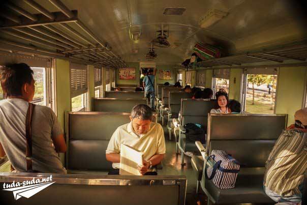 поезда Таиланда фото