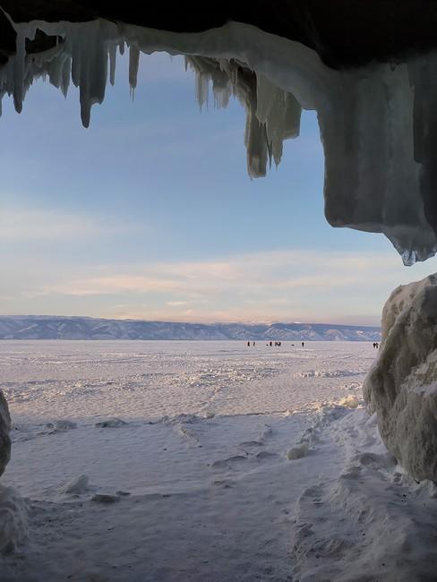 пещеры зимний Байкал
