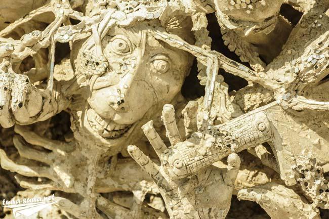 белый храм фигуры