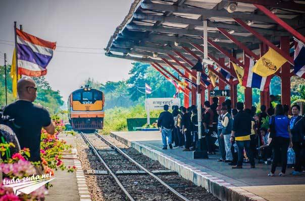 Поезд Таиланд
