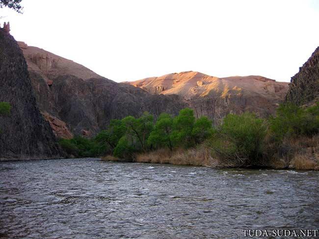 Река Чарын фото