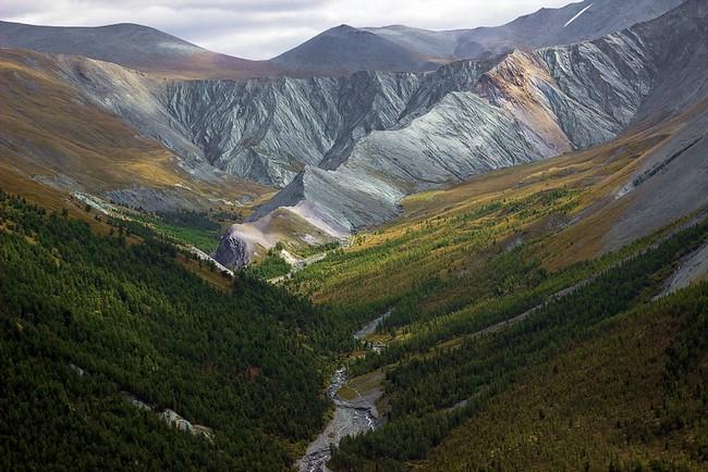 Долина реки Ярлу Алтай