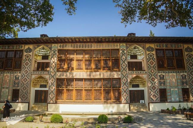 Хан-сарай в Шеки