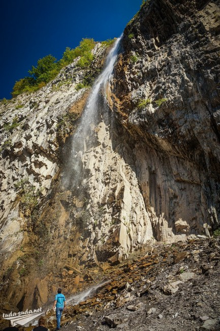 Водопад в Илису