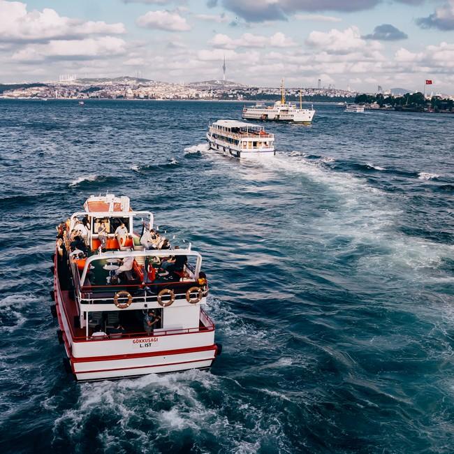на пароме в Стамбуле