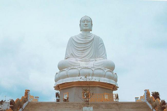 пагода Лонг Шон Нячанг