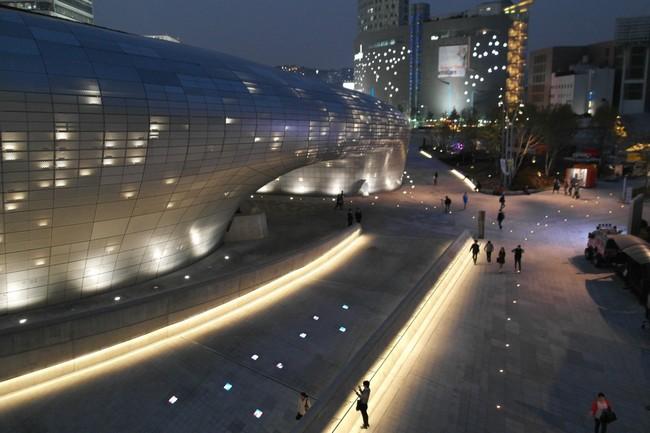 Dongdaemun Design Plaza Сеул