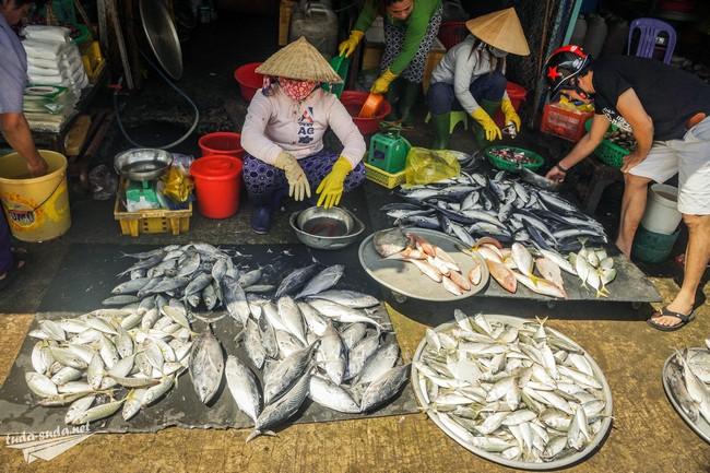 Дневной рынок в Дуонг Донг