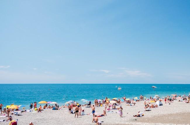 где летом отдохнуть на море в России