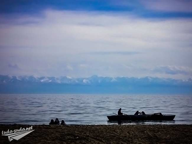 Лодка на озере