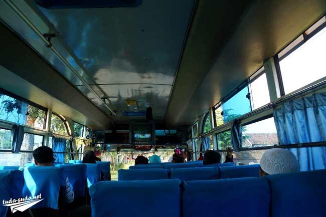 Автобус в Индонезии