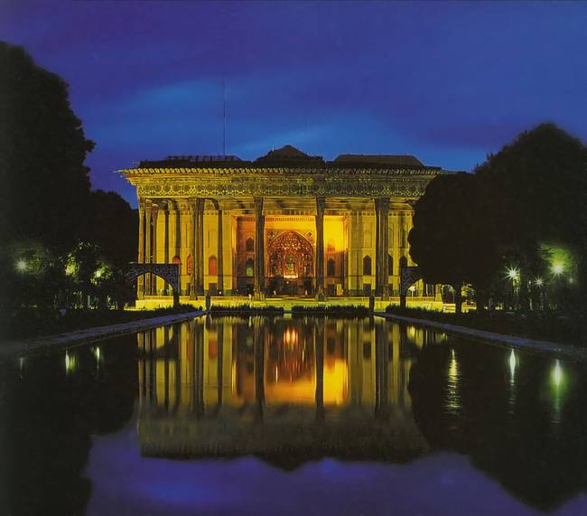 Chehel Sotun Palace
