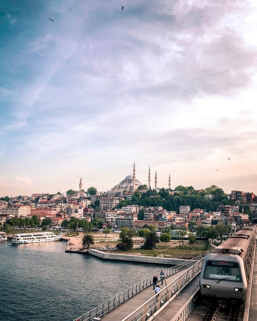 метро Стамбула фото