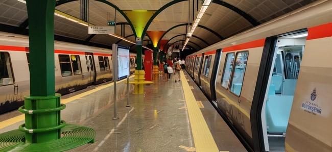 Станция метро в Стамбуле