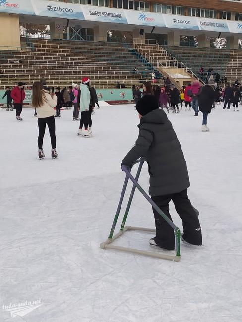 Обучение катанию на коньках