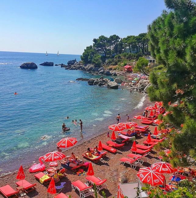 Црвена Плажа Черногория