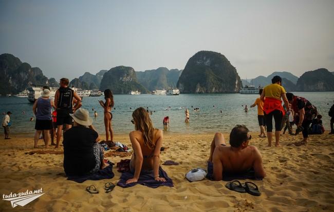 пляжи бухта халонг
