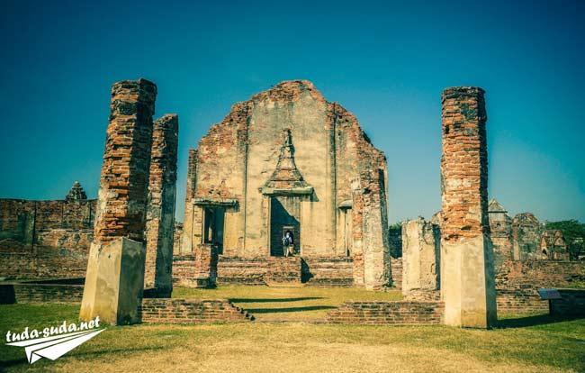 Храм Лопбури