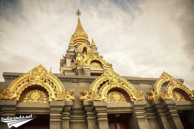 Ступа Phra Boromathat Chedi