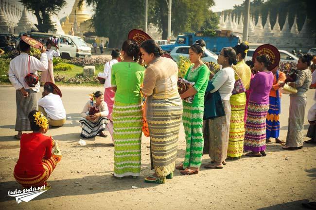 Национальная одежда Мьянмы