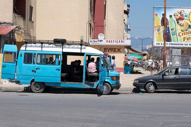 фургон Албания