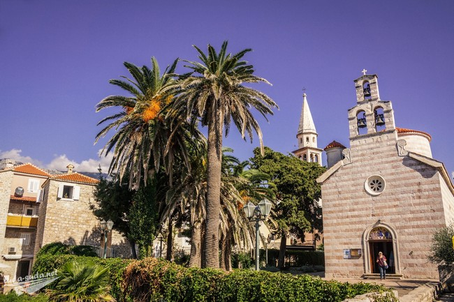 Церковная площадь Будва