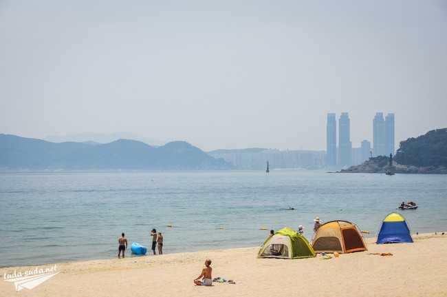 Палатки в Южной Корее