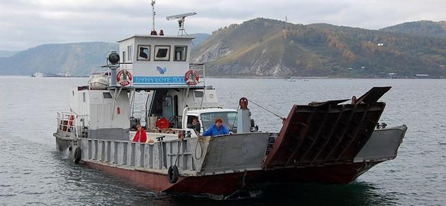 Паром Листвянка - Порт-Байкал