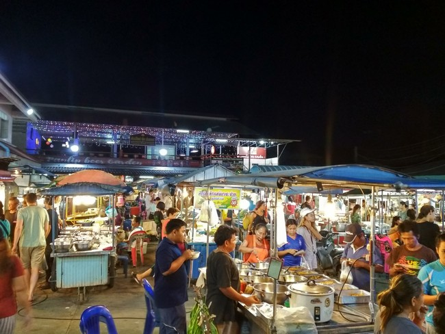 Ночной рынок в Thong Sala Панган