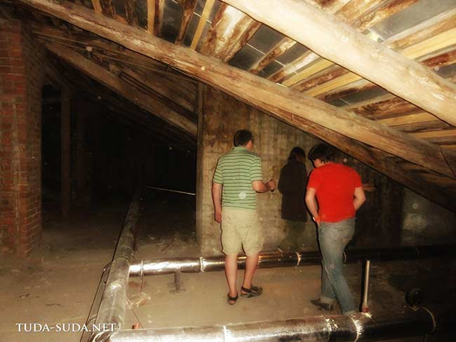 Чердак в старом доме в Питере