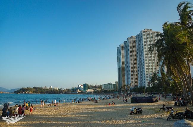 пляж на севере Нячанг