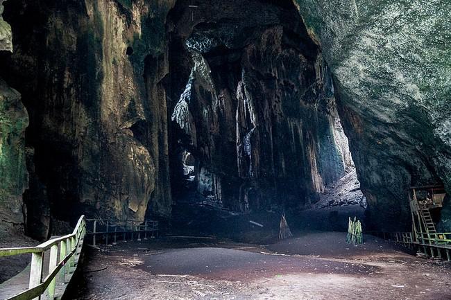 Пещеры Гоматонг Сабах