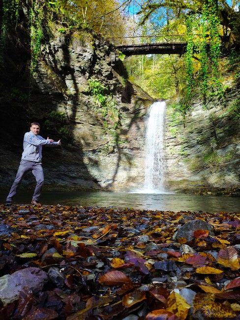 Водопад Ажек осенью