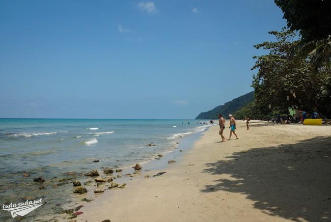 white sand beach ko chang